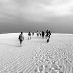 camminata sulle dune dei Lençois del Maranhao durante il tour La rotta delle emozioni in Brasile